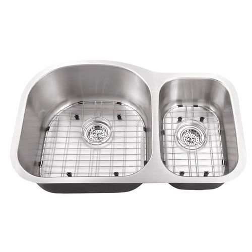 """31.5"""" 70/30 Double-Basin 18G Undermount Kitchen Sink in Brushed Stainless Steel (31.5"""" x 20.5"""" x 9"""")"""